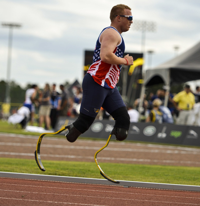 Marine Corps veteran Cpl. Joshua Wege runs during the 1,500m men's race at the 2016 Invictus Games.