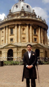 Andres Machado in front of The Radcliffe Camera, a reading room built between 1737-1749 at Oxford. It holds some 600,000 books in underground rooms.