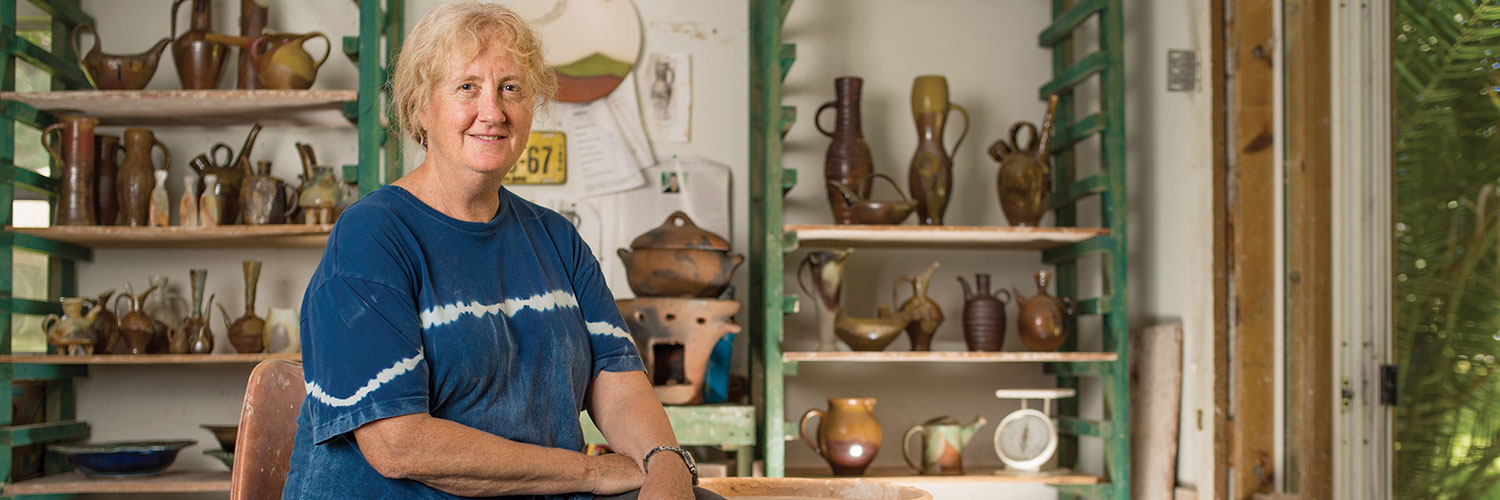 An American potter in Creole clay