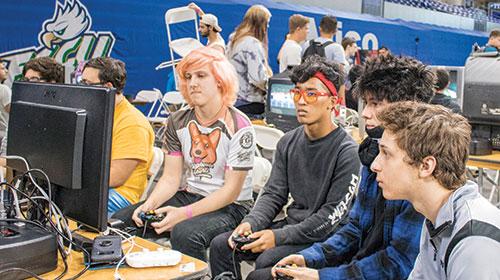 Photo f FGCU gamers.