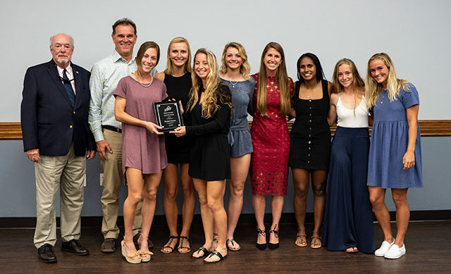 photo shows FGCU women's soccer team