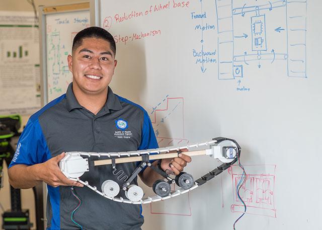 Photo shows FGCU student Cesar Hernandez-Isidro