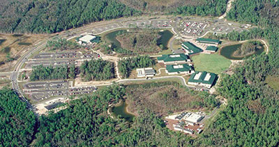 FGCU campus om 1997, with entrance road at the left.