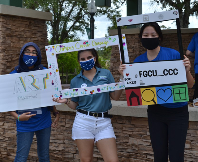 photo shows FGCU students